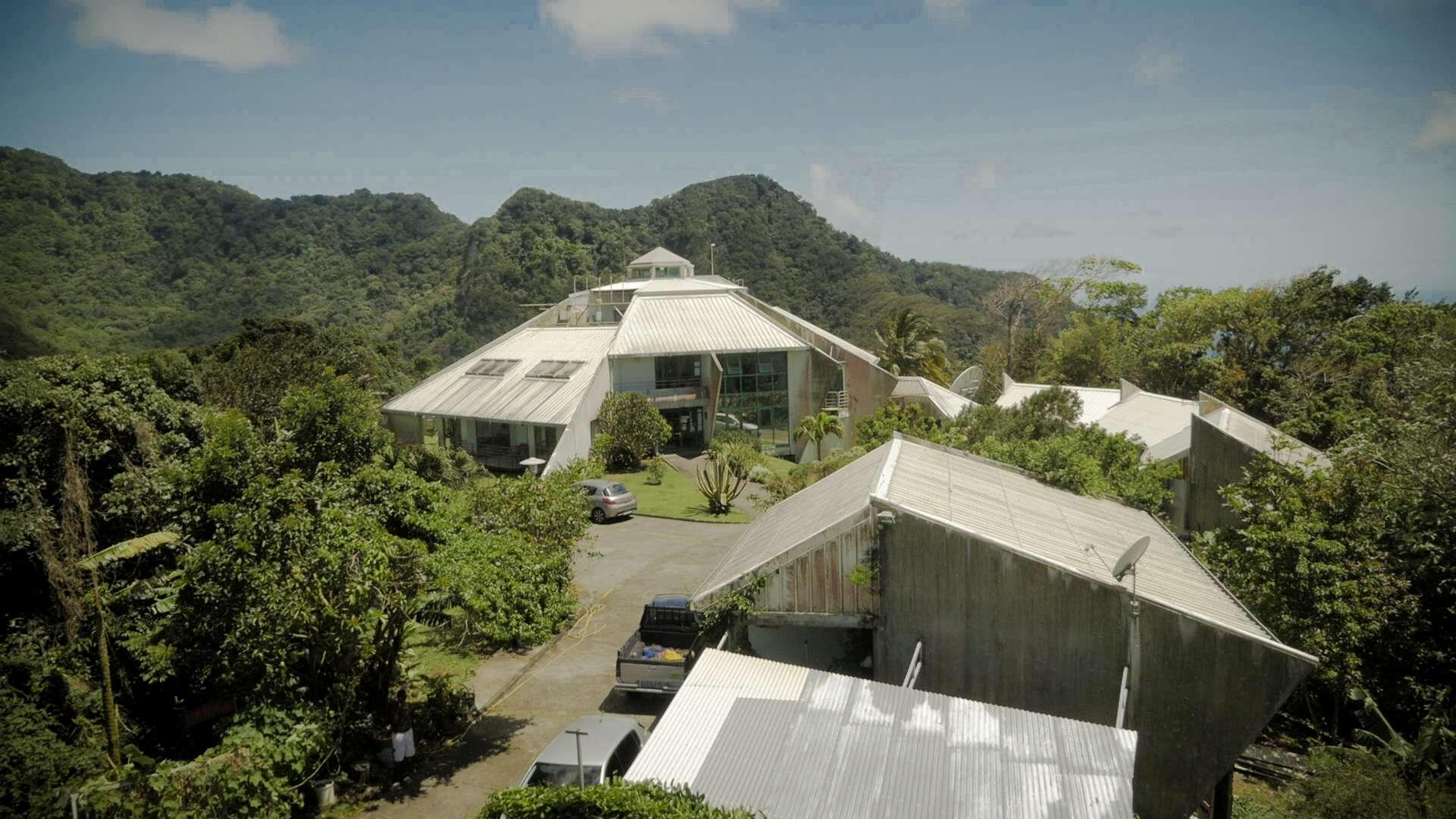 Observatoire Volcanologique et Sismologique de Guadeloupe sur les hauts de la commune de Gourbeyre